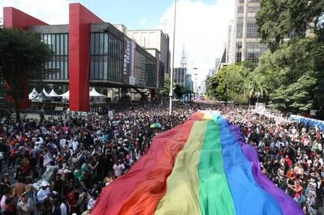 Tema da Parada deste é a criminalização da violência contra gay