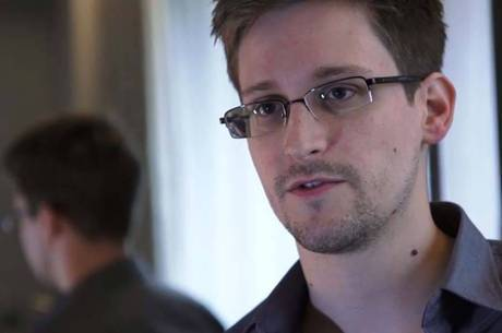 Edward Snowden vive atualmente na Rússia