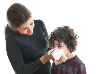 Criança transmite o vírus da gripe por até 14 dias, diz médica