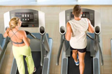 Fazer exames com médicos especialistas antes de iniciar a prática esportiva é essencial