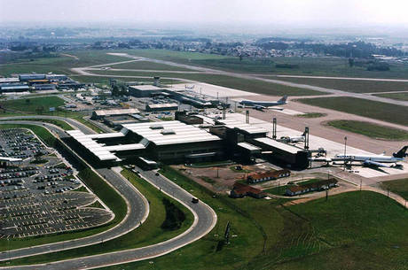 Aeroporto de Curitiba deve ser privatizado