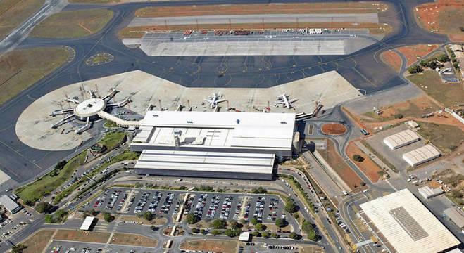 No aeroporto de Brasília, combustível já é insuficiente