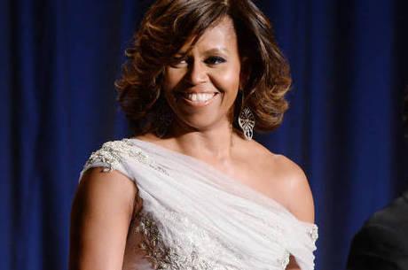 Apresentador pede desculpas a Michelle Obama