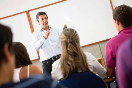 Formação de docentes no País tem desafios a serem superados