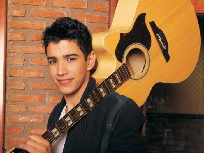 Parabéns, Gusttavo Lima! Veja as mudanças do cantor desde o início da  carreira - Fotos - R7 Pop