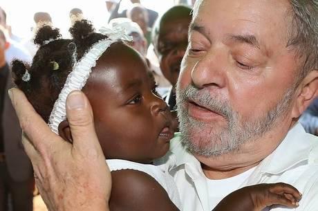 Resultado de imagem para presidente lula na áfrica