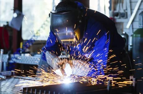 Indústria cresceu 13% em junho, na comparação com maio
