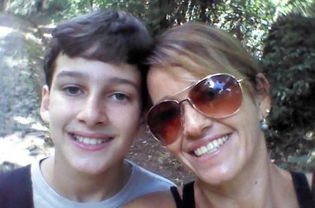 Alessandra Benati e seu filho Adriel