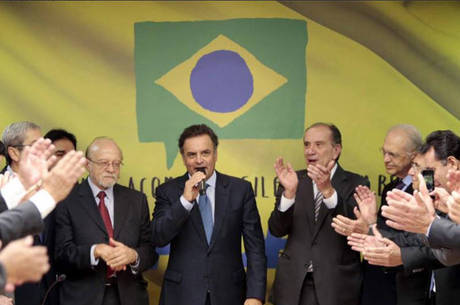 Aécio Neves participa de intensa agenda desde o início do ano