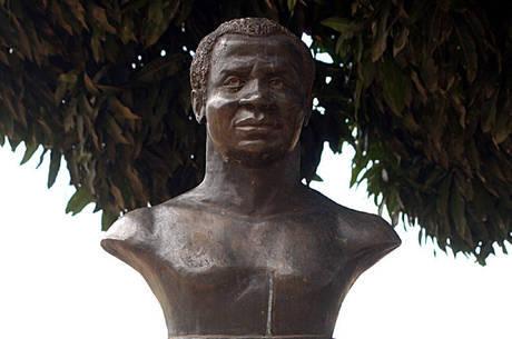 Estátua em homenagem a Zumbi dos Palmares