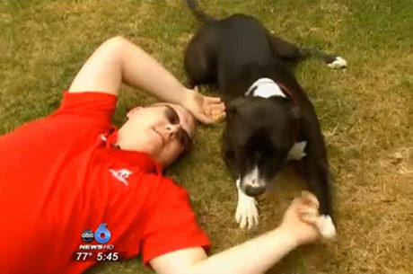 Cachorro é treinado para agir em situações de emergência