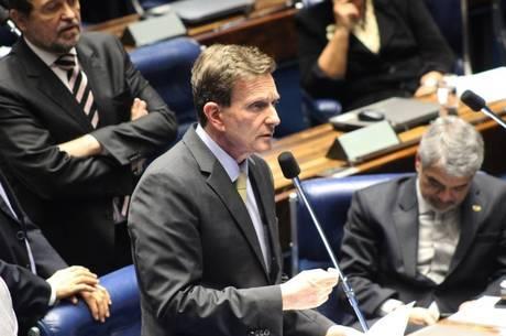 Texto, de autoria do senador Marcelo Crivella (PRB-RJ), prevê adicional de 30% sobre o salário para motoboys