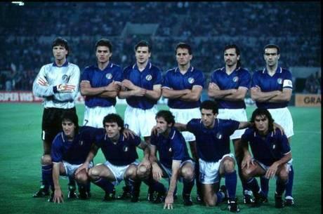 ea73c573ae Copa  por que a Itália veste azul  E a Holanda laranja  - Futebol ...