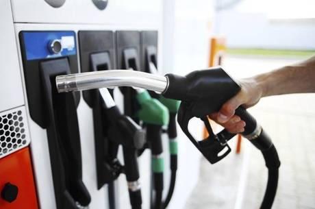 O aumento na contribuição sobre os combustíveis entra em vigor em maio