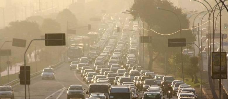 Radial Leste foi a via mais afetada nesta manhã, com motoristas enfrentando mais de 12 km de filas