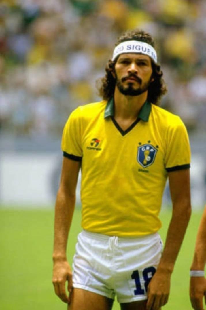 1731ad63e5994 ... A Copa do Mundo de 1986 marcou a entrada do logo da fornecedora de  material esportivo ...
