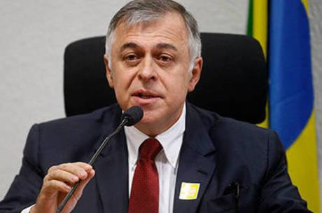Costa é acusado de desviar R$ 358 milhões de contratos da estatal