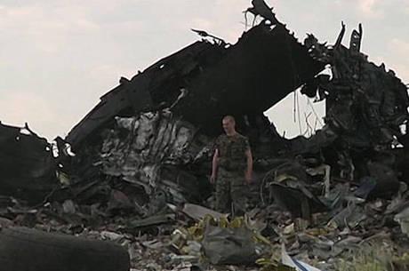 Rebeldes pró-Rússia vão permitir o acesso de investigadores à area em que caiu o avião
