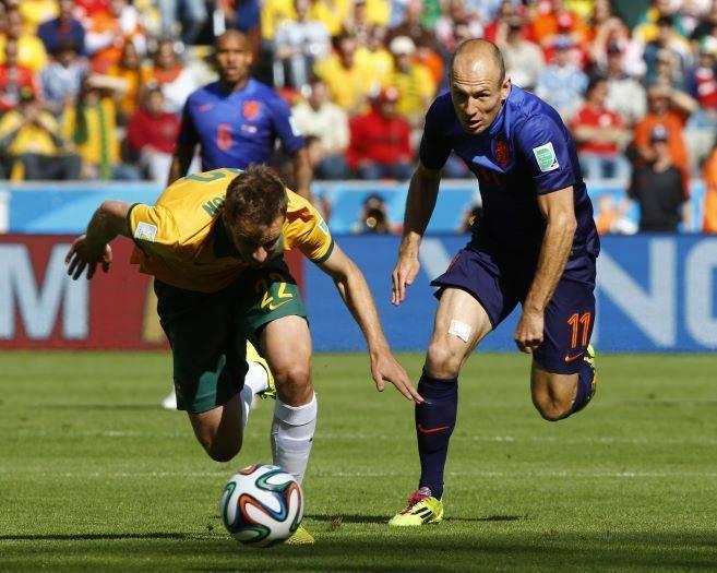 Sete estrangeiros e um brasileiro são detidos vendendo ingressos da Copa por até R$ 6.700