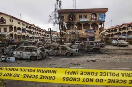 Explosão durante exibição de partida da Copa deixa 21 mortos na Nigéria