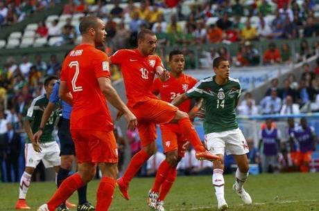 [COPA 2014] México joga como nunca, mas perde como sempre, e Holanda vai às quartas de final da Copa do Mundo