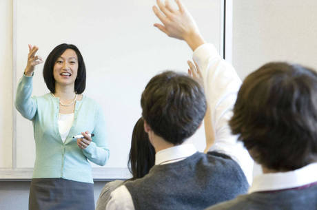 Bom aproveitamento dos cursos está associado à falta de alinhamento das ações com o plano de carreira do magistério
