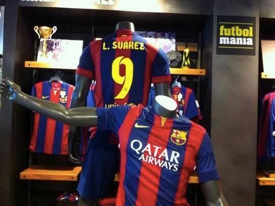 a6291ed18 ... O Barcelona está cada vez mais próximo de anunciar o atacante Luis  Suárez.
