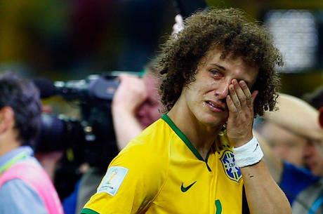 Brasil cai diante de mais de 60 mil torcedores em goleado por 7 a 1