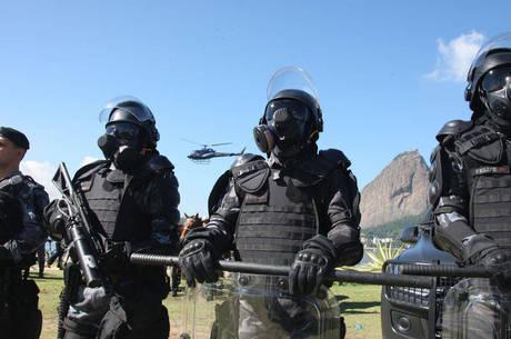 Policiais usarão armaduras chamadas de Robocop para conter possíveis manifestações