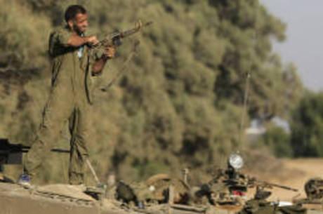 Guera é aérea e temida invasão a Faixa de Gaza não está descartada