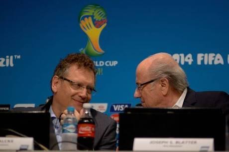 Valcke e Blatter defenderam Fifa das acusações de corrupção