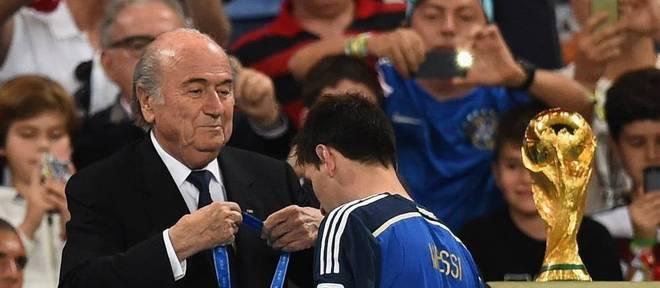 Joseph Blatter disse que Lionel Messi teve bom desempenho no início da Copa do Mundo
