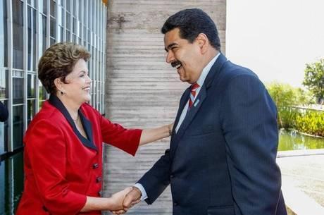 """Para Maduro, vitória de Dilma no Brasil foi a """"vitória do povo, vitória de Lula e seu legado"""""""