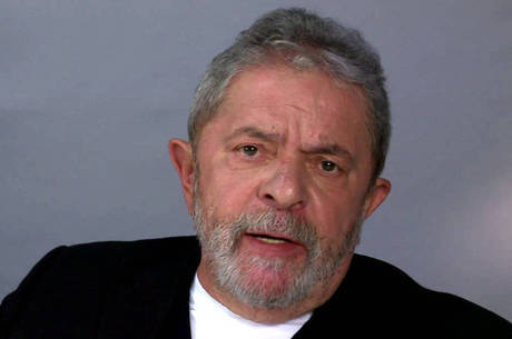 Presidente Lula teria cobrado os petistas para reagirem à convocação de Paulo Okamoto, presidente de seu instituto