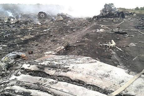 O acidente aconteceu na Ucrânia, perto da fronteira com a Rússia, deixou 295 mortos