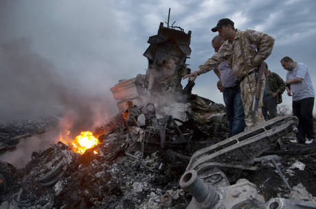 298 pessoas morreram no acidente da Malaysia Airlines