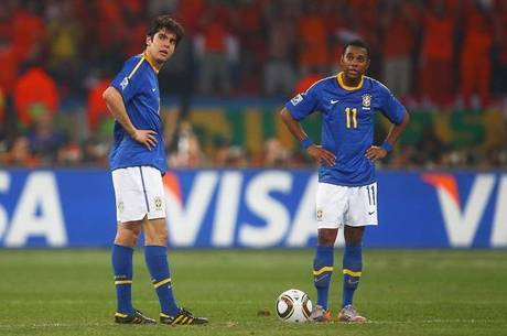 Kaká e Robinho foram titulares na Copa do Mundo de 2010