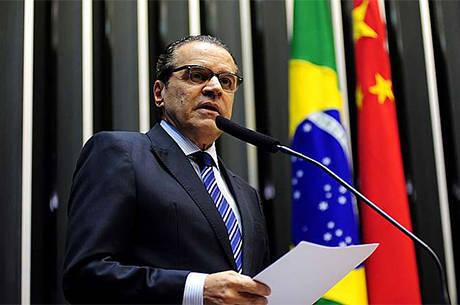 Alves pediu esforço extra de parlamentares que vão disputar eleição
