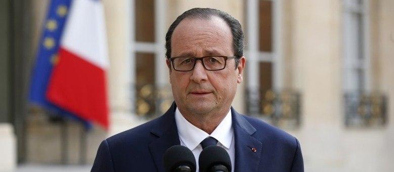 O presidente francês manifestou seu apoio aos parentes e amigos das vítimas
