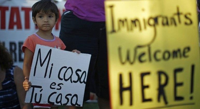 Governo dos Estados Unidos fará estudo de cada caso passível de deportação