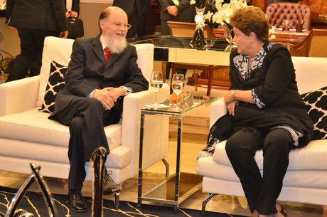 Bispo Edir Macedo, líder e fundador da Igreja Universal, com a presidente Dilma Rousseff na inauguração do Templo de Salomão