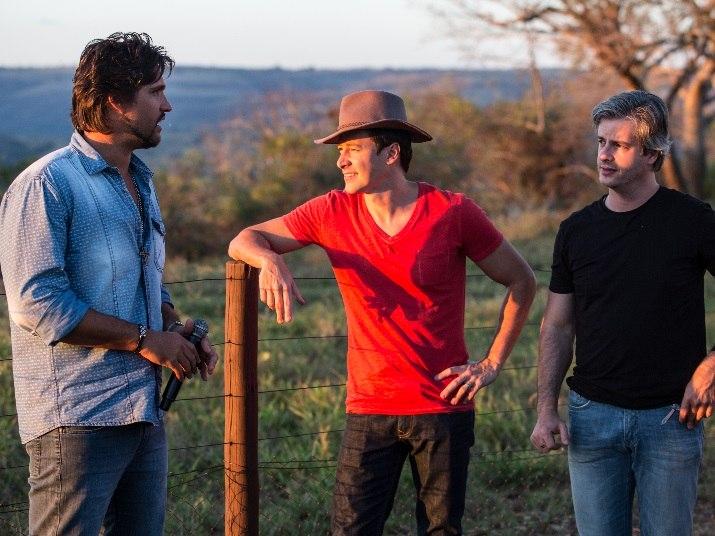 Rodrigo Faro visita Victor Leo na fazenda da dupla, em Uberlândia. Veja as atrações da Hora do Faro (3)