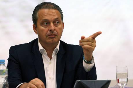 Avião de Eduardo Campos caiu por falha dos pilotos, segundo a FAB