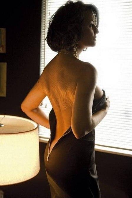 De tirar o fôlego! Ao 52 anos, Luiza Brunet posa sexy para ensaio fotográfico e quase mostra demais