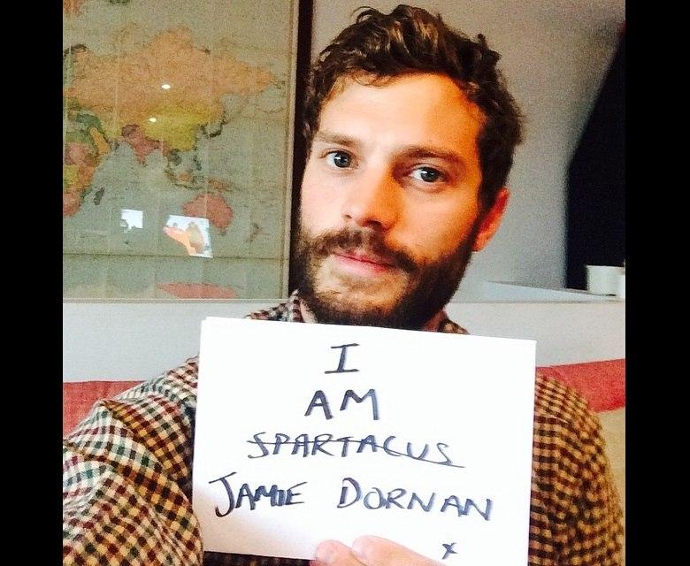 Galã de 50 Tons de Cinza, Jamie Dornan volta ao Instagram com uma selfie