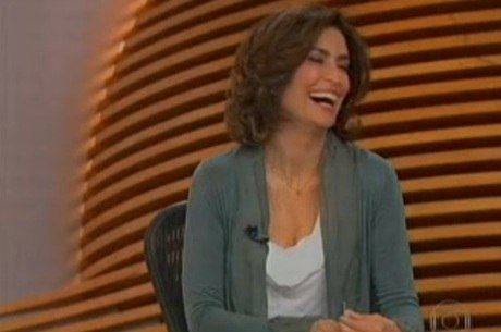 Giuliana Morrone aparece rindo após notícia de rebelião no PR