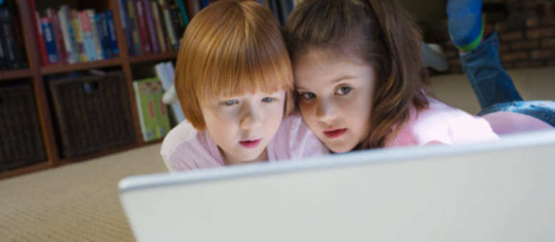 Os pais devem ter atenção redobrada sobre como seus filhos têm usado a internet