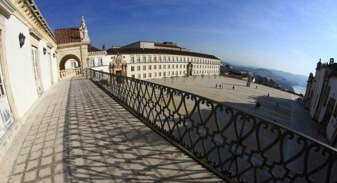 Universidade de Coimbra foi a primeira instituição portuguesa a aceitar o Enem