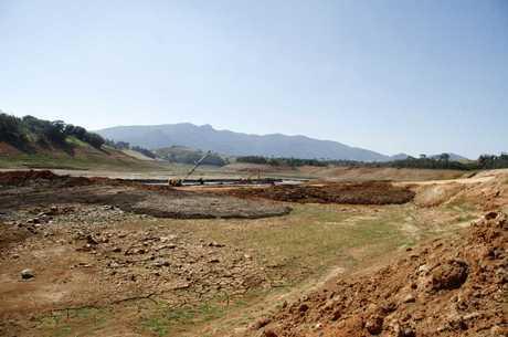 Volume de água do Sistema Cantareira está cada vez mais baixo