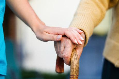 Há 44 milhões de pessoas com Alzheimer no mundo